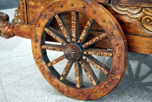 wooden-wheel-2961298297486uvr